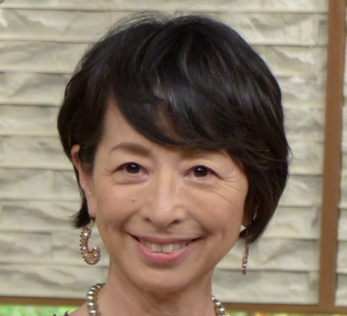 薄毛(老け髪)の女性におすすめのおしゃれな髪型阿川佐和子